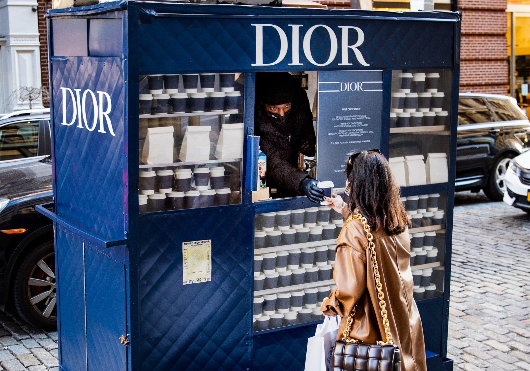 Mobile pop-up shop Dior